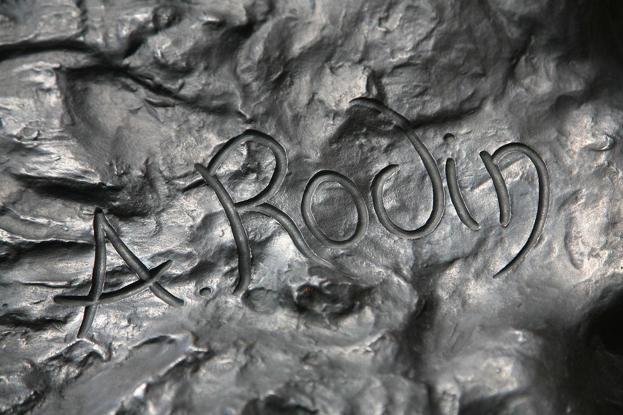 La firma di Rodin su Il pensatore