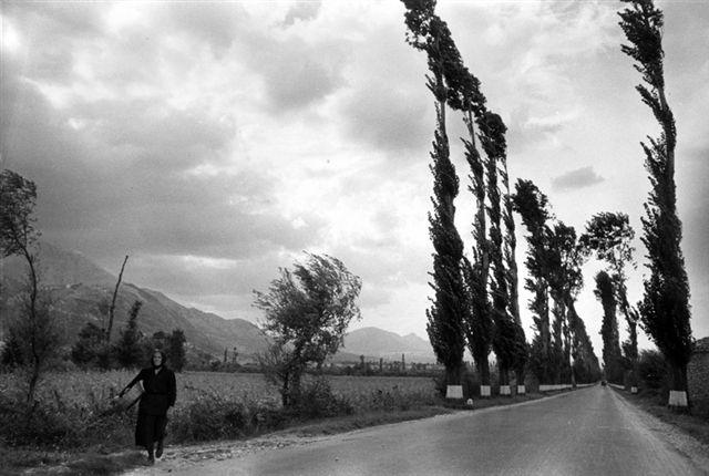 Motta Montecorvino, Foggia, 1958. Aspettando la pioggia.