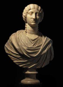 """Il busto di """"Poppea"""" dopo il restauro"""