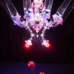 Shih Chieh Huang Seductive Evolution of Animated Illumination 2013 vetro, micro controller, ventole di raffreddamento per computer, plastica, LED e cavi elettrici, cm 200x400x400