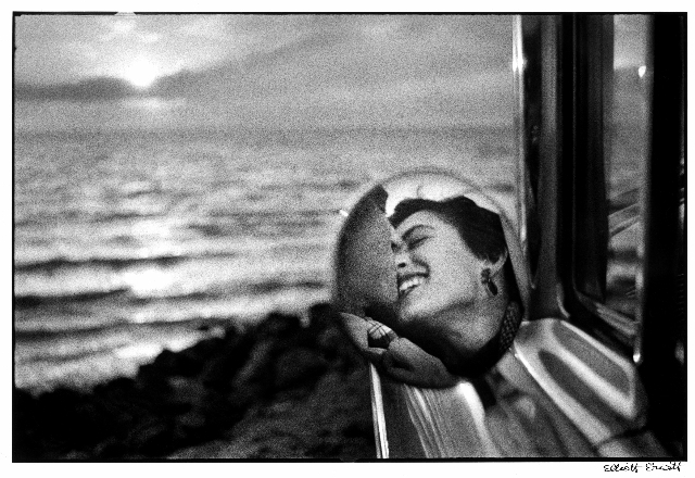 Elliott Erwitt, California, 1955, fotografia, 204 x 306 mm © Elliott Erwitt/Magnum Photos