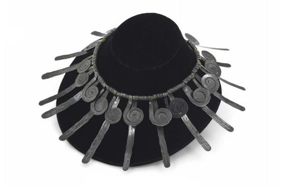 La collana dello scultore Calder, acquistata a un mercatino delle pulci e venduta a 267mila dollari