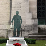 Tra le sculture della Certosa di Bologna, partendo dalla tomba di Lucio Dalla