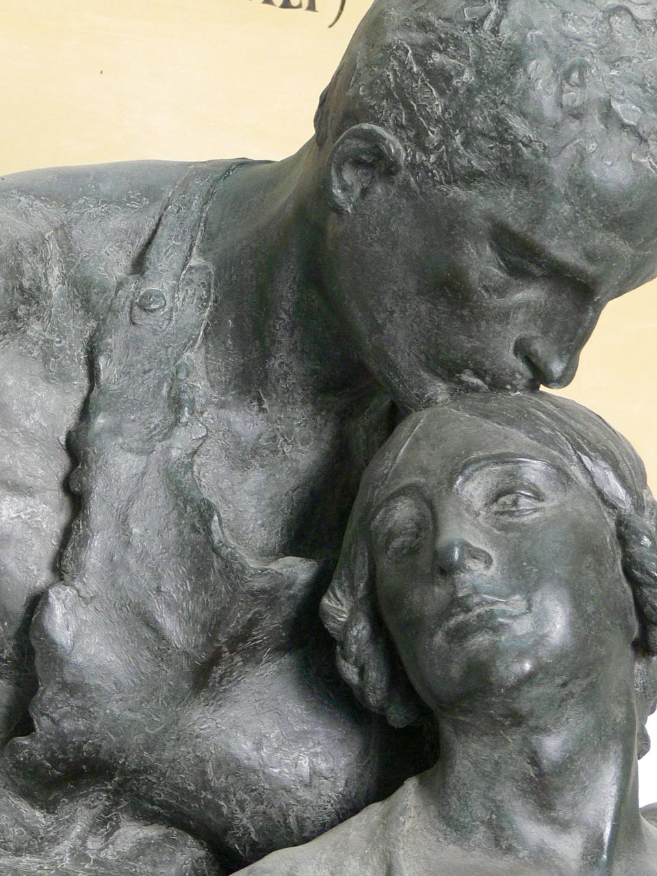 E. Ximenes, Monumento funebre famiglia Zanardelli (part.), bronzo e marmo di Carrara, Brescia, Cimitero Vantiniano, cella 39