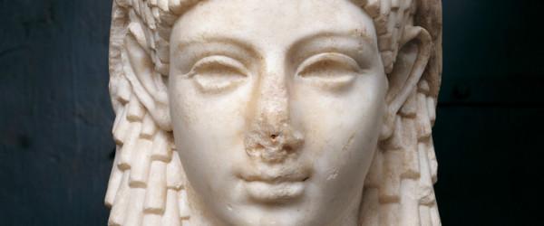 cleopatra apertura