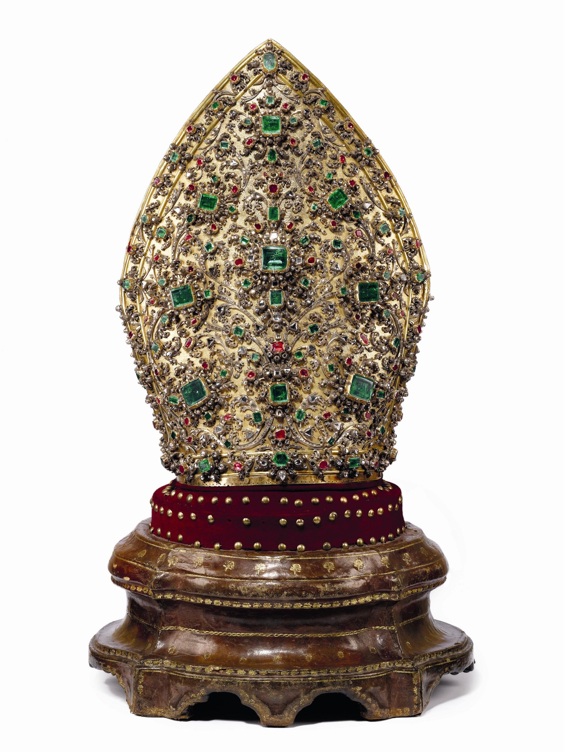 Matteo Treglia, Mitra,1713,, argento dorato, diamanti, rubini smeraldi e,granati,1852