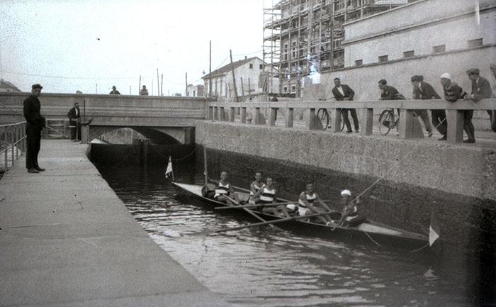 Arnaldo Chierichetti, La partenza del raid Milano-Zara, © Arnaldo Chierichetti