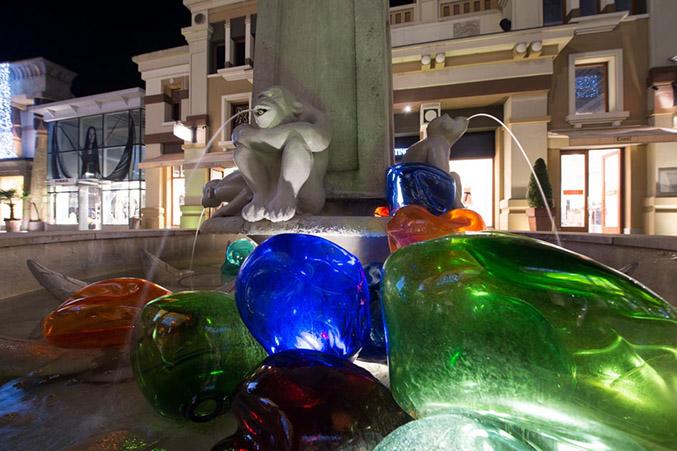 Hiromi Masuda, PLAY THE GLASS, con tenerezza - Fontana delle Scimmie