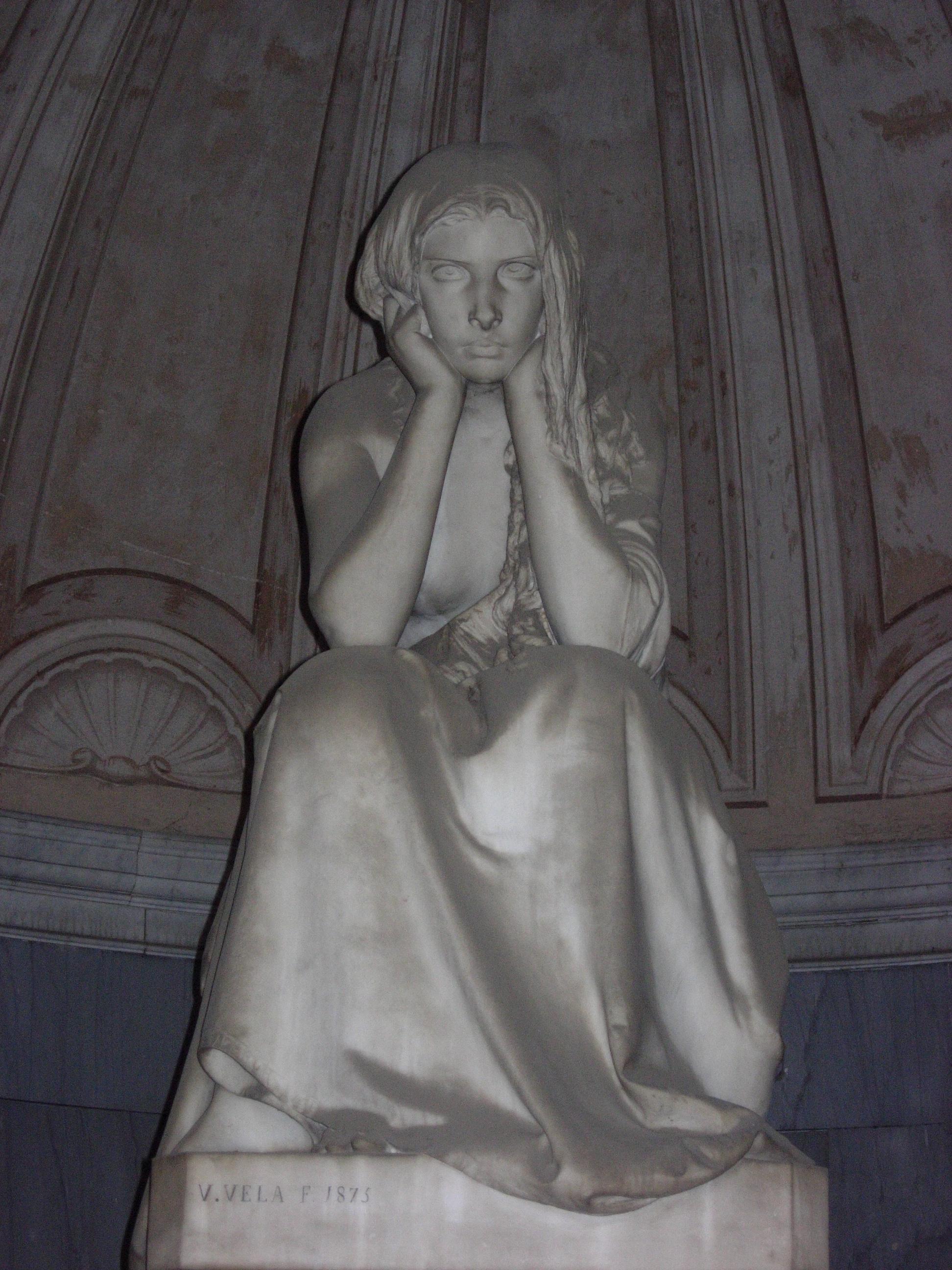 V. VELA, La Desolazione. Monumento Gregorini Bingham, 1875, marmo di Carrara, Bologna, cimitero della Certosa, choistro della Cappella