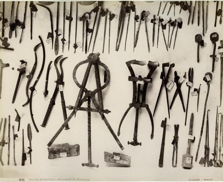 Antichi strumenti chirurgici, trovati a Pompei