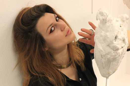 La scultrice Fatima Messana
