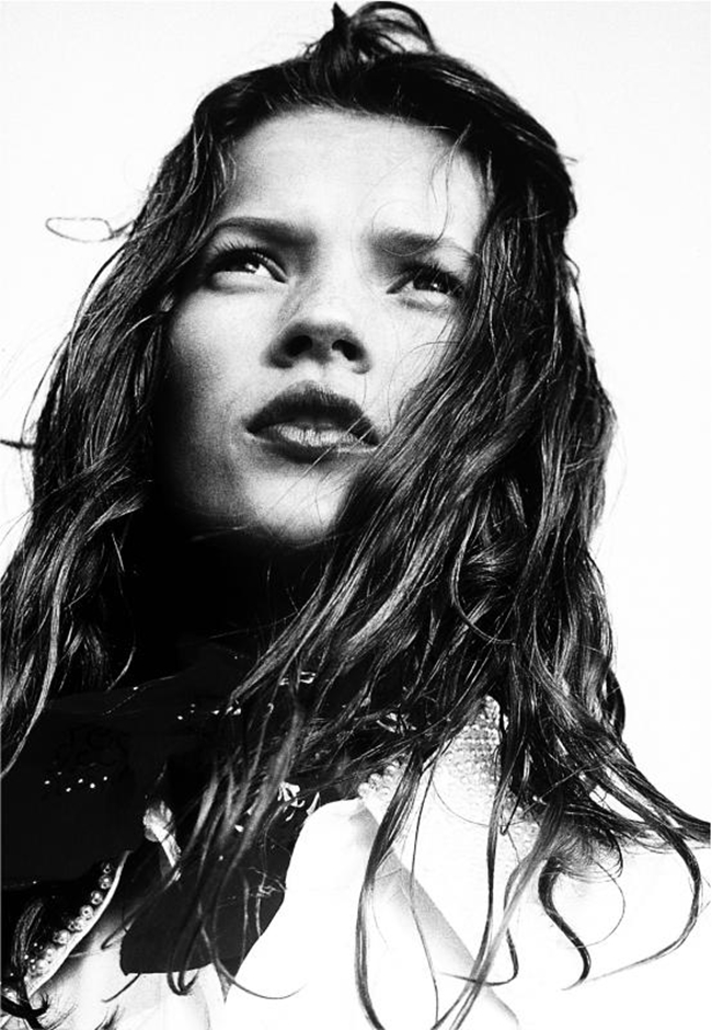 Jurgen Ostarhild Kate Moss, Camber sands, 1991 inkjet print su carta ilford baryt, n3 di 10 - firmato sul retro, 40x30cm