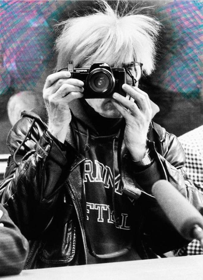 Maria Mulas Ritratto di Andy Warhol con intervento, 1987 stampa fotografica sistema lambda montata sotto plexiglass, tiratura 1-5