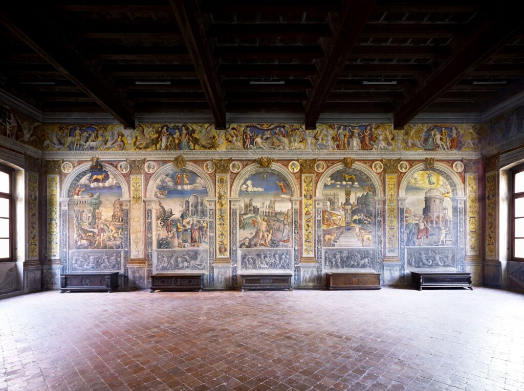 Candida Höfer, Museo di Palazzo d'Arco, Sala dello Zodiaco, Mantova, 2011, 180x222 cm © Candida Höfer
