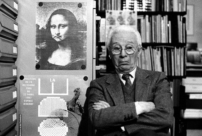 03. Atto_Bruno Munari nel suo studio Milano 1988 © Isisuf
