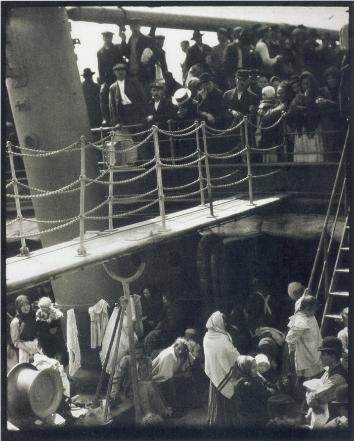 Alfred Stieglitz, The Steerage. 1907.Photogravure. © Friedrich Seidenstücker , by SIAE 2014. Courtesy Museum der Moderne Salzburg