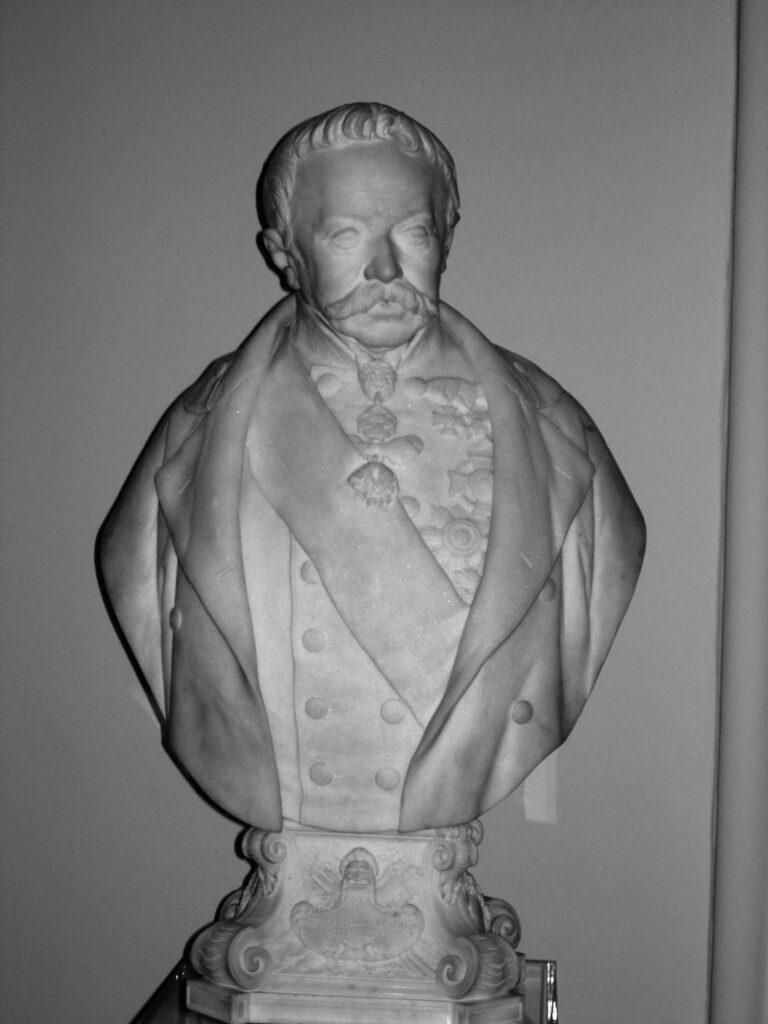G. Emanueli, Busto di Josef Wenzen Graf Radetzky von Radez (1766-1858), 1854, marmo di Carrara, basamento: h. 20, l. 33, prof. 29 cm.; busto: h. 88,5, l. 56, prof. 29 cm.; Vienna, Heeresgeschtliches Museum, Radetzky saal (Museo dell'Esercito - Sala Radetzky