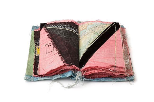 Libro delle Janas, 1992, collage si stoffe e filo, 18x14x4cm