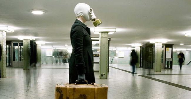 Eva Frapiccini (Galleria Alberto Peola, Torino) serie Ritratto di Berlino, Under the Rough 2012, particolare