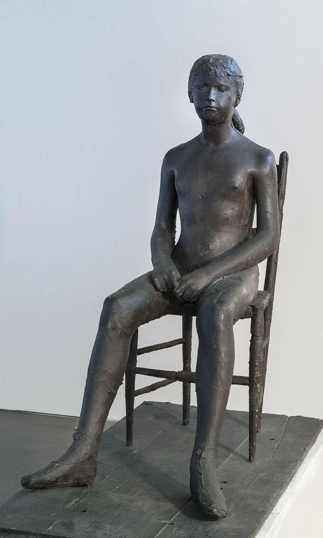 Giacomo Manzù, Bambina sulla sedia, 1955, fusione in bronzo