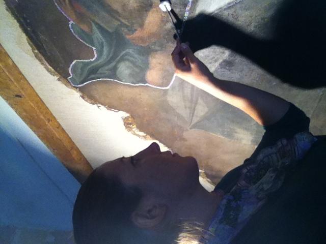 La pulitura della superficie pittorica