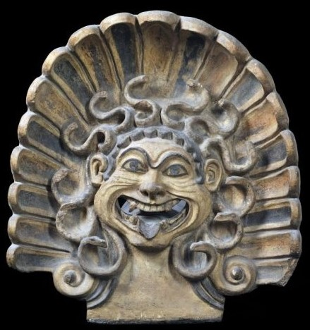 Antefissa  a testa di Gorgone,terracotta dipinta,  500 a.C. circa, Veio,, tempio di Portonaccio,