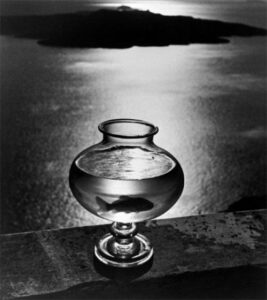 Goldfish bowl, Santorini Island, Cyclades, Greece, 1937 © Herbert List / Magnum Photos