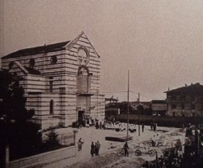La chiesa di Santa Maria della Vittoria, in un foto d'epoca, in via Cremona, a Brescia