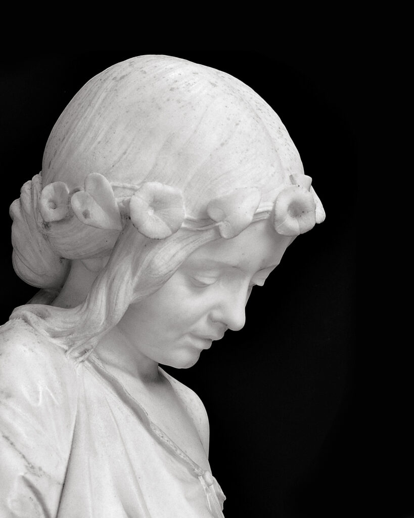 G.B.LOMBARDI, Ritratto di Teresa Barboglio, (part.), 1858-1860 ca.,marmo di Carrara, h. cm. 103 x 28,5 x 28,5, collezione privata