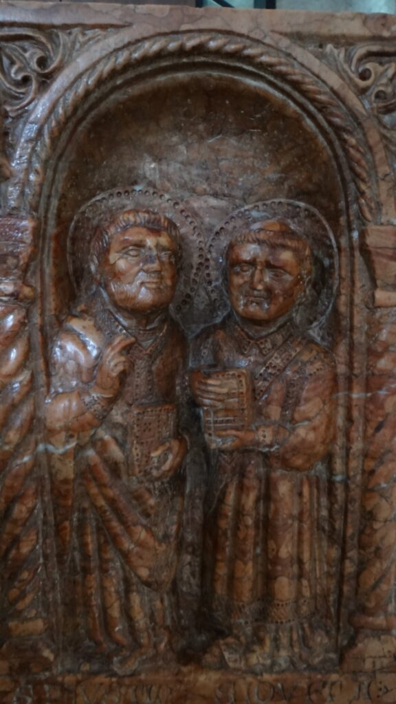 Particolare della Tomba di Berardo Maggi, inizio secolo XIV, pietra di Verona, Brescia ,Duomo Vecchio vecchio o Rotonda