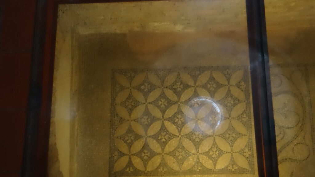 Antico mosaico, Cripta, Brescia ,Duomo Vecchio vecchio o Rotonda