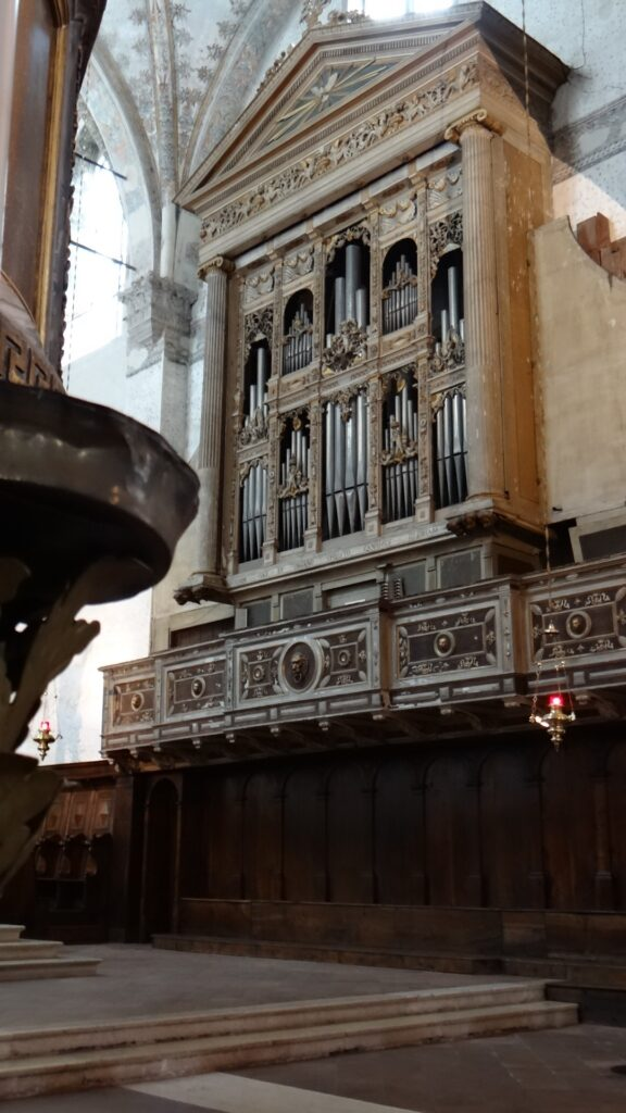Organo Serassi, Cappella dell'Altar Maggiore,, Brescia ,Duomo Vecchio vecchio o Rotonda