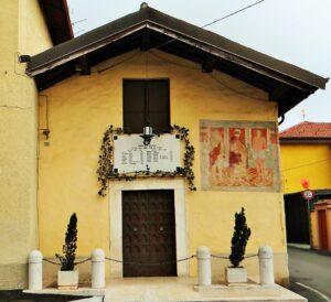 L'oratorio di San Zenone a Ronco di Gussago, con l'affresco in cui è rappresentato il santo-moro