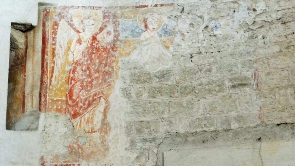 Annunciazione, lacerti d' affresco. Rotonda del Santuario di Valverde