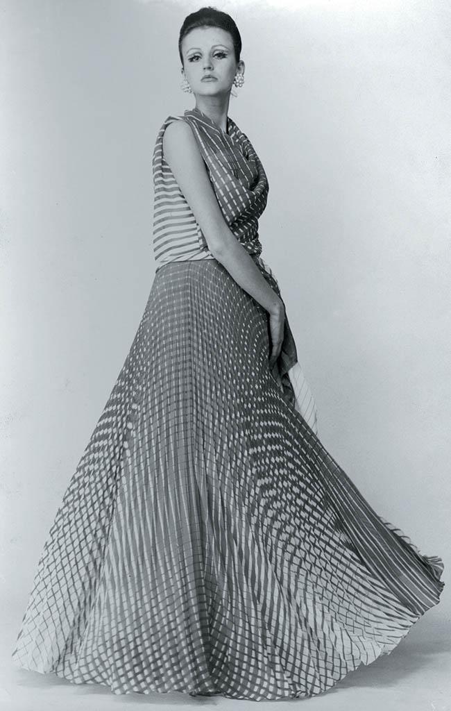 Un abito di Germana Marucelli con motivi di Getulio Alviani, 1965 (foto: archivio G. Marucelli)