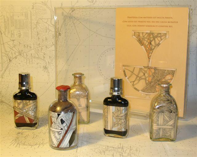 gruppo di opere in bottiglia