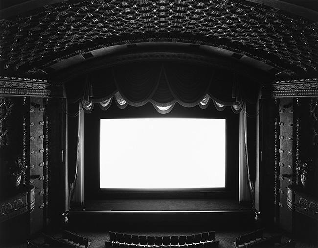 Hiroshi Sugimoto El Capitan, Hollywood, 1993 stampa ai sali d'argento, 119,5x149 cm courtesy l'artista