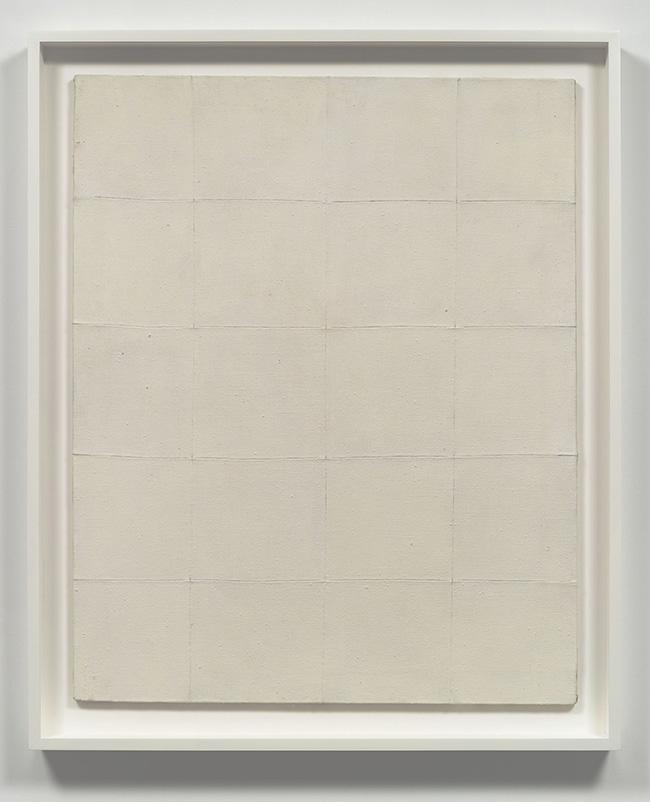 Piero Manzoni, Achrome, 1959, tela e caolino, 100 x 80 cm – Robilant+Voena, Londra – Milano – St. Moritz