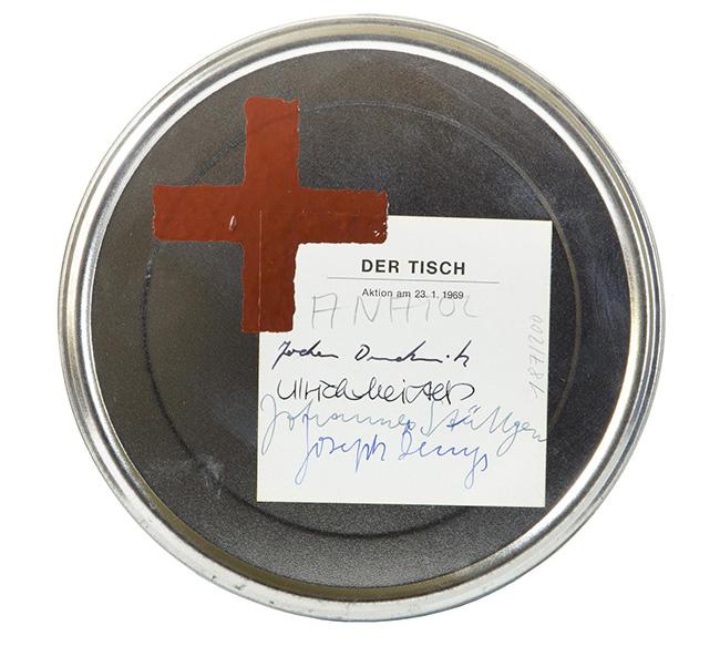 Joseph Beuys: Der Tisch 1971, art film (super 8 ) pellicola, etichetta disegnata a olio, 4,2x19 cm