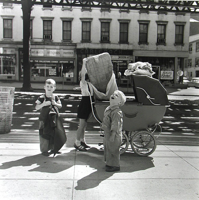 Vivian Maier: New York, NY, Septembre 1953© Vivian MaierMaloof Collection, Courtesy Howard Greenberg Gallery, New York