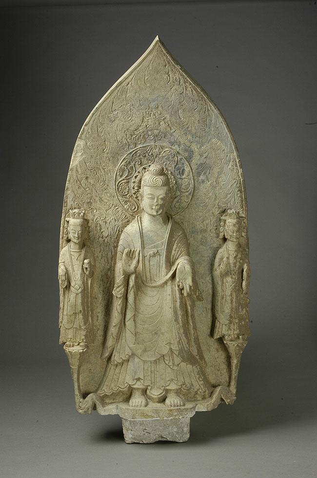 Statua di Bodhisattva Tian Yanhe Dinastia Wei Settentrionali (386 – 534 d.C.) Rinvenuta nel 1973 nelle vicinanza del distretto Qi (Henan) altezza 96 cm Museo Provinciale dello Henan