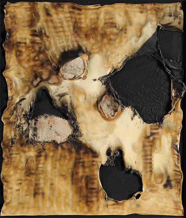 Alberto Burri: Combustione Plastica, 1958; cm. 98x84; Plastica, stoffa, acrilico, vinavil, combustione su tela (Fondazione Palazzo Albizzini Collezione Burri)