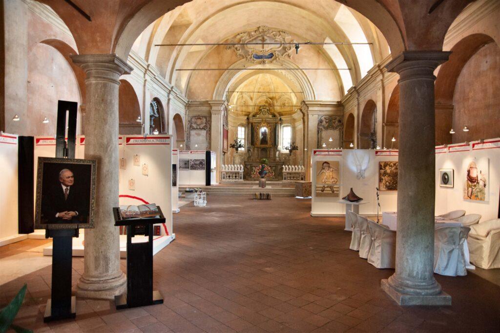 La chiesa della Disciplina, a Verolanuova, in provincia di Brescia, in cui è stata allestita la mostra delle opere finaliste del Premio Nocivelli
