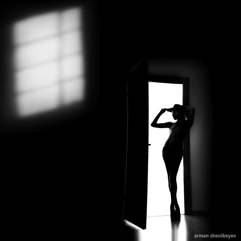 © Arman Zhenikeyev