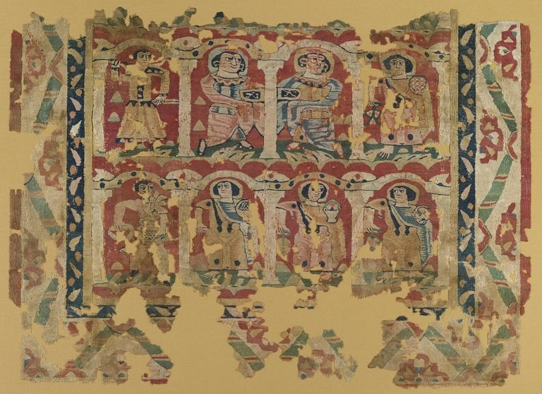 Arazzo intreccio di lane colorate e biancheria non tinta, a: H. 103 centimetri; W. 148.2 cm. B: H. 5,5 centimetri; W. 15,5 cm. Egitto, ca. 6o al 8o secolo dC. Brooklyn Museum, Charles Edwin Fondo Wilbour, 46.128a-b.